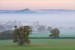Glastonbury Tor, Mist 8540 Print on paper